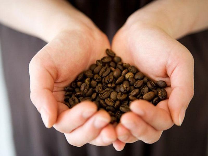 Làm đẹp bằng cà phê hiệu quả ngay tại nhà