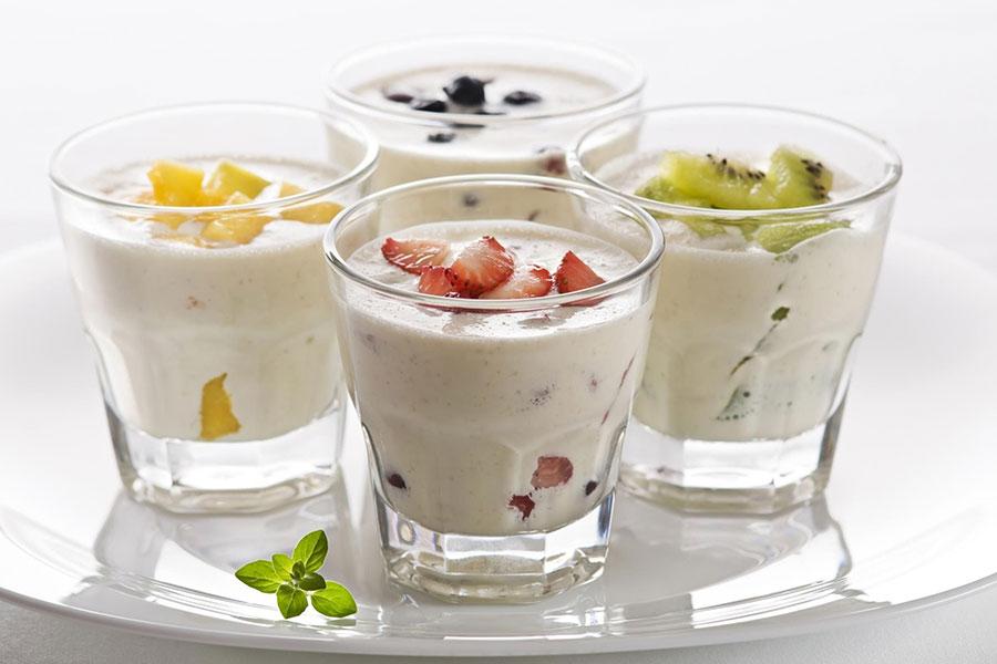 Bí quyết làm yogurt trái cây chỉ qua 4 bước đơn giản.