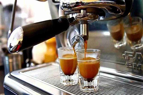 Cà phê pha máy có gì khác biệt