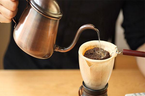Cà phê vợt – hương vị cà phê của người xưa
