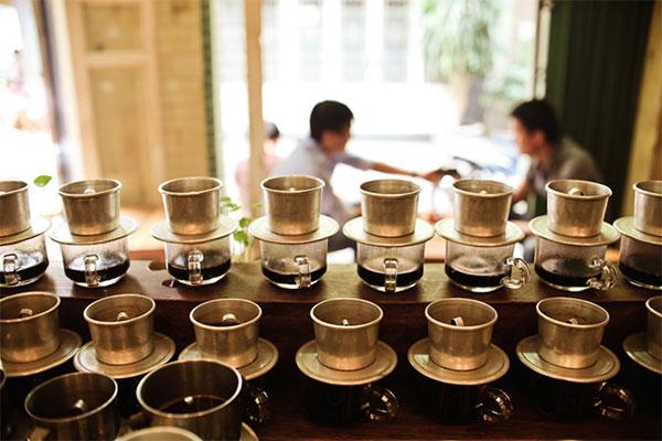 Cách pha cà phê phin đơn giản tại nhà