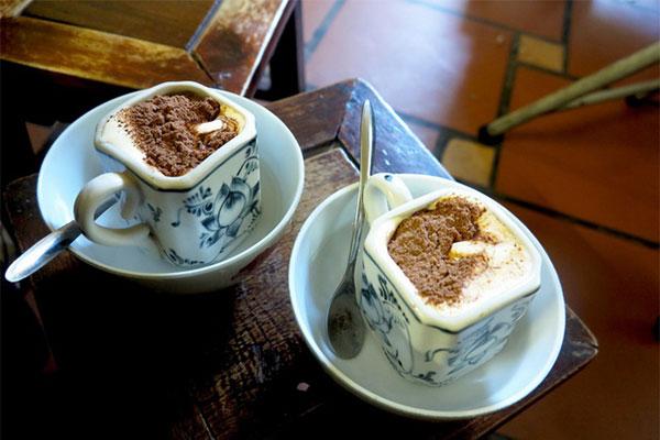 Cách pha cà phê trứng đơn giản nhất tại gia