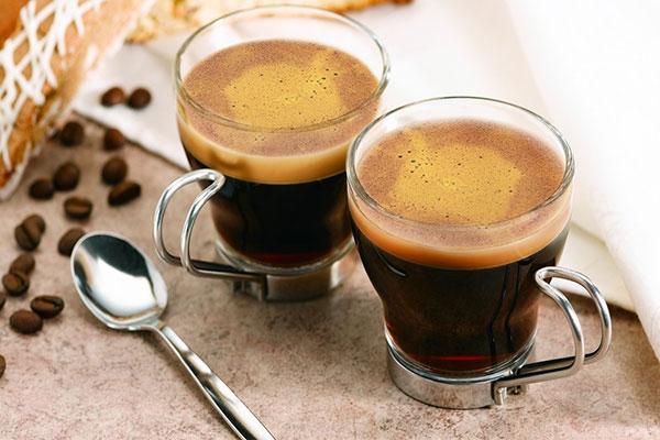 Thưởng thức cà phê phong cách Việt Nam